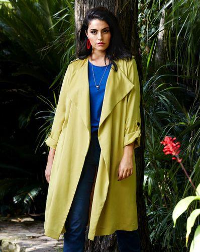 E-wykrój: Cienki płaszcz damski bez zapięcia
