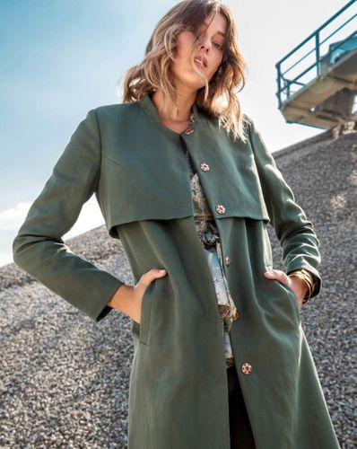 E-wykrój: Płaszcz damski na zatrzaski