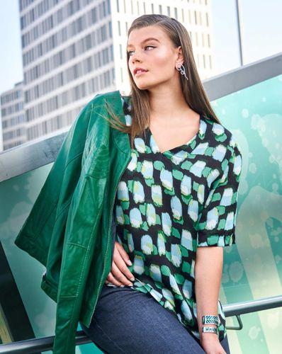E-wykrój: Jedwabna bluzka z delikatnym dekoltem