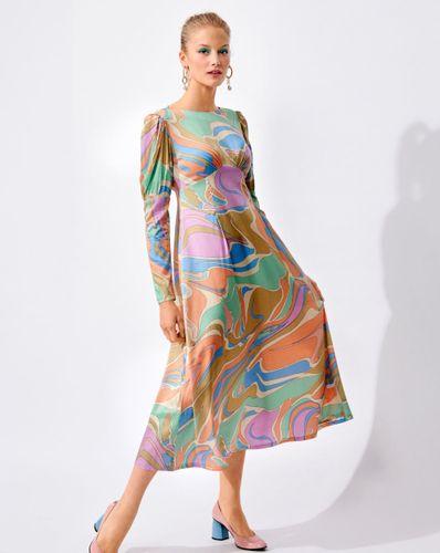 E-wykrój: Sukienki z długim rękawem w dwóch wersjach