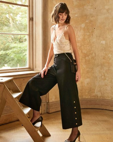 E-wykrój: Damskie spodnie z szeroką nogawką
