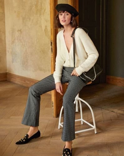E-wykrój: Spodnie elastyczne z rozszerzaną nogawką