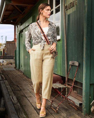 E-wykrój: Damskie spodnie w dwóch wersjach